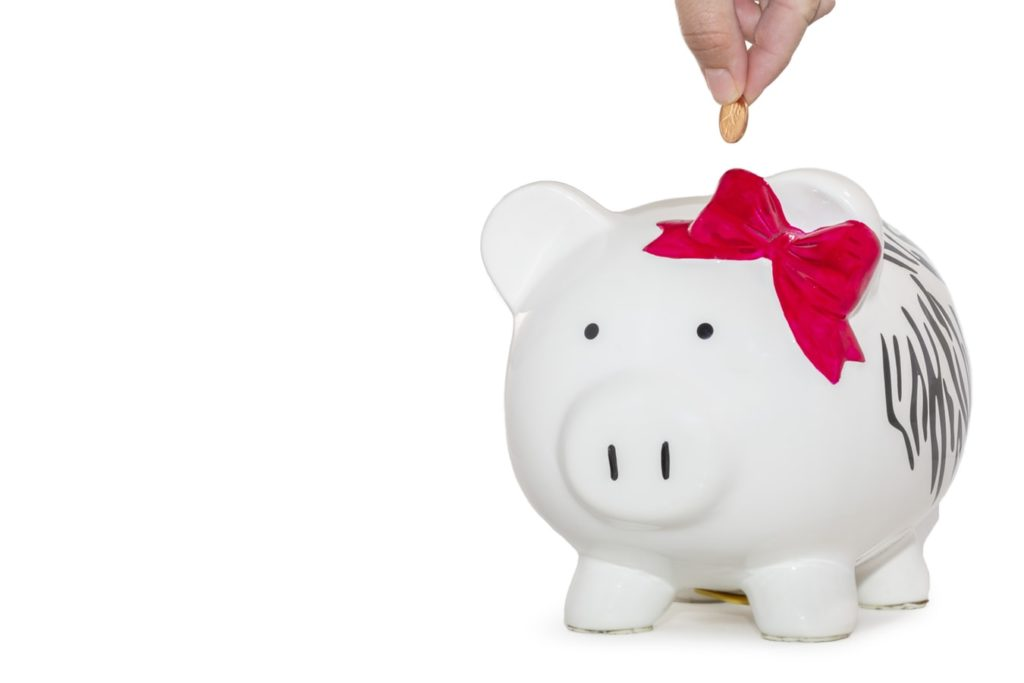 Shares for children - image of piggy bank