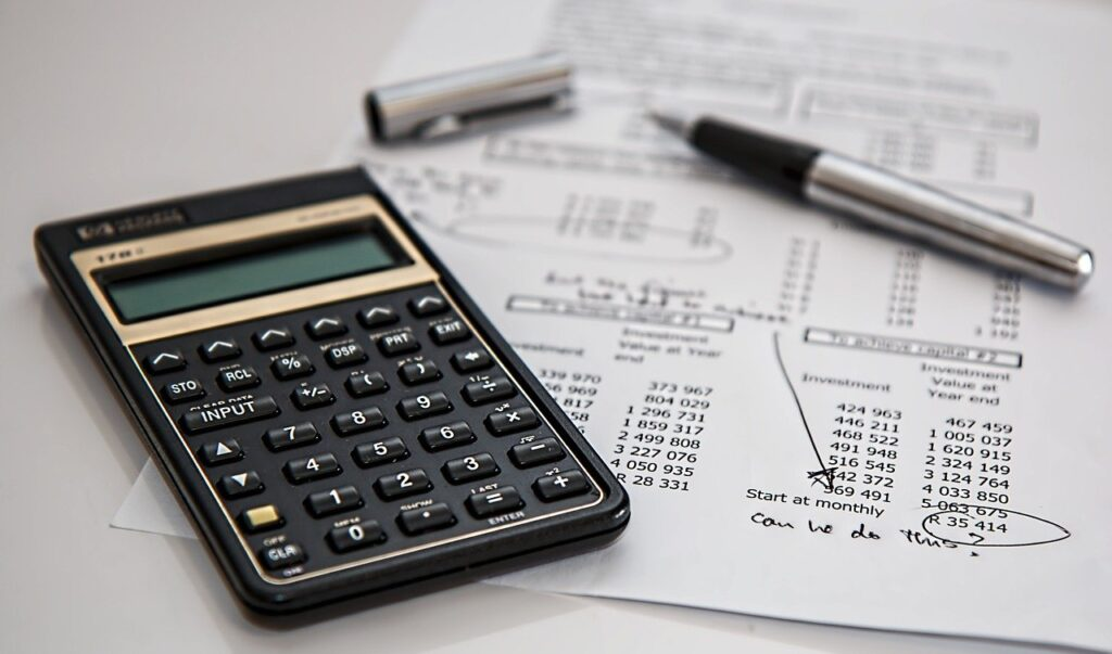 Free grant for accountancy services - image of a calculator